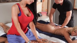 Couples Massage ? Nikki Seven, Raven Bay