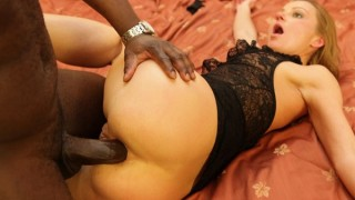 Slut Mom Suzy gets her Interracial Fuck On ? Suzy
