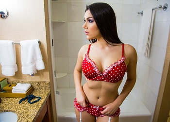 Tonights Girlfriend Valentina Nappi Vanilla