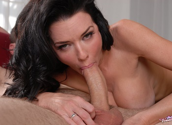 Club Veronica Avluv | Veronica Avuluv in Fucking My Step Son